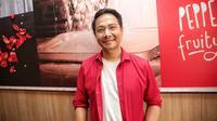 Delon tak mau bercerai dengan Yeslin Wang