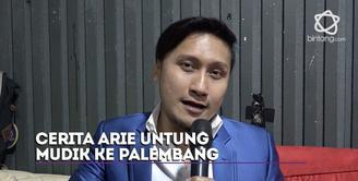 Arie Untung menceritakan serunya mudik lebaran ke Palembang, Jakarta Selatan.