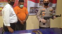 Kapolsek Medan Barat, Kompol Afdhal Junaidi mengatakan, buruh bangunan tersebut berinisial S alias N berusia 30 tahun