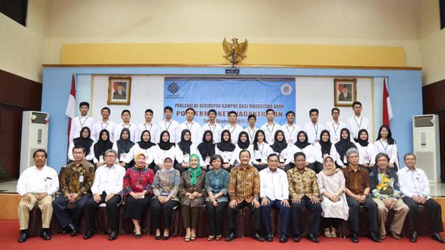 Mahasiswa Politeknik Ketenagakerjaan Mengikuti Kegiatan Ospek News
