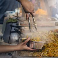 Untuk kamu yang hobi wisata kuliner hingga ke luar negeri, yuk kita intip 5 festival kuliner yang wajib dikunjungi. (Photo by James Sutton on Unsplash)