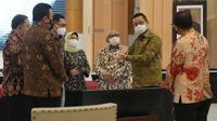 Hampir setiap pekan Kementerian Sosial melakukan rapat-rapat koordinasi dengan semua stakeholder.