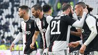 Bek Juventus, Leonardo Bonucci (kedua kiri) berselebrasi usai mencetak ke gawang Udinese selama pertandingan lanjutan Liga Serie A Italia di Stadion Allianz di Turin (15/12/2019). Juventus menang 3-1 atas Udinese. (Alessandro Di Marco / ANSA via AP)