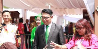 Banyak pejabat hadir menjadi tamu pernikahan Putri Presiden Joko Widodo alias Jokowi. Acara pernikahan Kahiyang Ayu dan Bobby Nasution di  gelar di Gedung Graha Saba Buana Kota Surakarta pada Rabu (8/11). (Adrian Putra/Bintang.com)