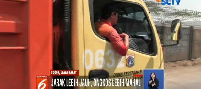 Truk-truk sampah milik Pemerintah Provinsi DKI Jakarta kini harus memutar arah untuk menuju area tempat pembuangan sampah Bantar Gebang, Bekasi.