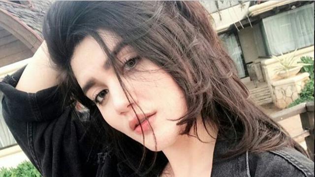 Hilda Vitria Khan Kekasih Billy Syahputra Yang Masih Istri Aktor Kris Hatta Instagram