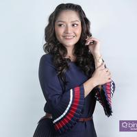 Di balik suksesnya Lagi Syantik, Siti Badriah hadapi juga sisi pahitnya.