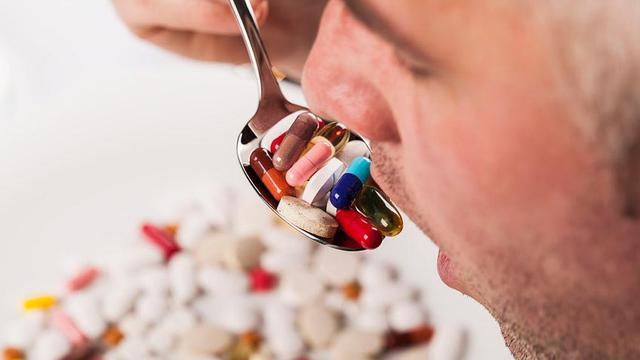 Gambar : Konsumsi obat sebelum makan