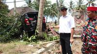 Bupati Tangerang, Ahmed Zaki Iskandar meminta adanya pemasangan alat pendeteksi tsunami di pesisir wilayah Tangerang.