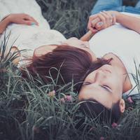 Saling menjaga dalam pernikahan./Copyright shutterstock.com
