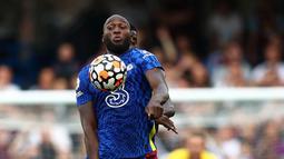 Penyerang asal Belgia ini diboyong Chelsea musim panas ini dari Inter Milan dengan nilai transfer 103,5 paun. Lukaku dulu pernah membela The Blues pada rentang 2011-2014. (Foto: AFP/Adrian Dennis)