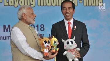 Jokowi dan PM Modi Main Layang-Layang di Monas