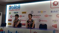 Ganda putri Jepang, Yuki Fukushima/Sayaka Hirota, berhasil meraih gelar Indonesia Open 2019 setelah mengalahkan rekan senegaranya, Misaki Matsutomo/Ayaka Takahasi, dengan skor 21-16, 21-18, Minggu (21/7/2019). (Bola.com/Zulfirdaus Harahap)