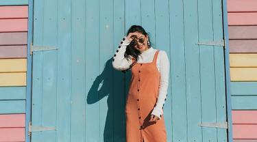 Gaya Fashion Liburan Ala Jessica Mila yang Simple dan Elegan