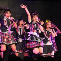JKT48 Merayakan Hari Valentine dengan Fans (Adrian Putra/bintang.com)