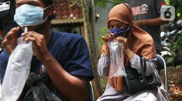 Puluhan Warga di Kelurahan Sudimara Barat Tangerang Jalani Tes GeNose C19