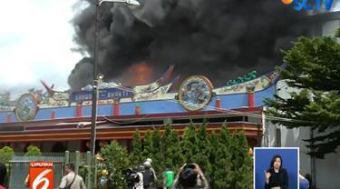Diduga, wihara yang juga cagar budaya ini terbakar Selasa pagi kemarin akibat lokasi penyimpanan lilin.