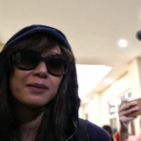 Renata Kusmanto istri Fachri Albar kembali menyambangi Polres Jakarta Selatan. Kedatanganya guna menjenguk sang suami yang kini ditahan karena kasus narkoba. (Nurwahyunan/Bintang.com)