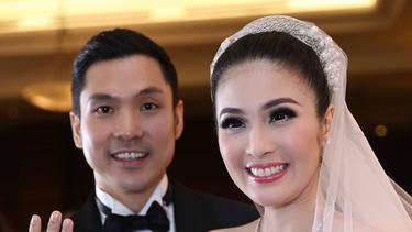 [Bintang] 8 Artis Indonesia yang Suaminya Seorang Pengusaha
