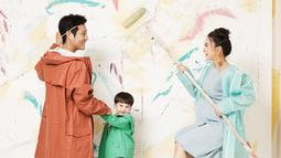 Baru saja melahirkan pada Mei 2019 silam, Theodore Iori Liem pun resmi menjadi seorang kakak. Saat mengandung putra keduanya, wanita berwajah baby face ini juga mengadakan maternity shoot dengan tema yang ceria. (Liputan6.com/IG/putrititian)