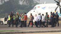 Jokowi tiba di Purbalingga, disambut oleh Ganjara dan jajarannya.