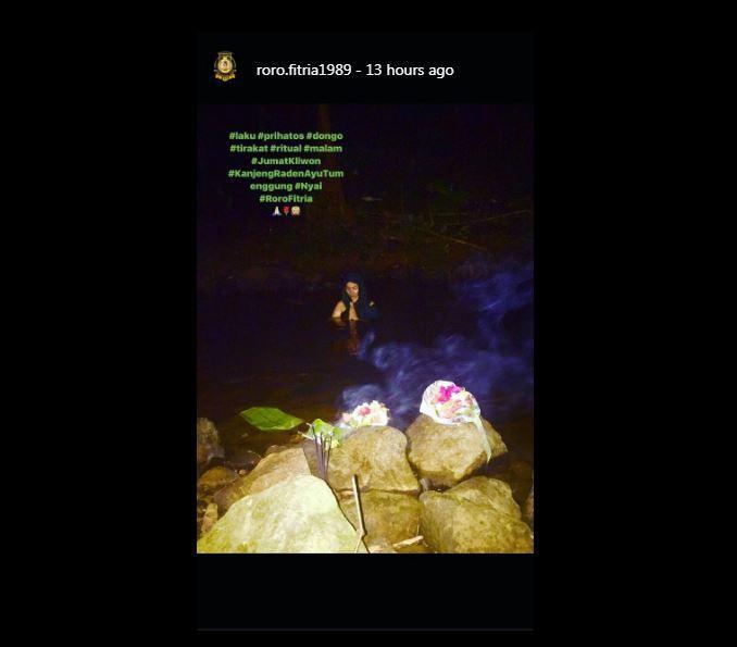 Roro Fitria jalani ritual malam Jumat Kliwon [foto: instagram]
