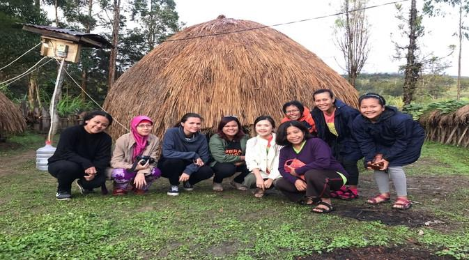 Honai jadi tempat nyaman bersarang kutu babi. (Foto: Wahana Visi Indonesia)