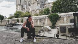 Melalui akun Instagramnya, Sophia Latjuba saat ini terlihat tengah menikmati liburannya di Eropa. Tapi tidak terlihat dengan siapa Sophia menikmati waktu liburannya. (Liputan6.com/sophia_latjuba88)