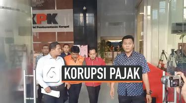 KPK menahan 3 pegawai Ditjen Pajak terkait dugaan suap restitusi pajak. Ketiganya ditahan setelah dimintai keterangan oleh penyidik KPK