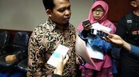 Ketua Komisi Perlindungan Anak Indonesia Susanto, memberikan keterangan pers terkait dominasi laki-laki sebagai korban kekerasan pada anak di Jakarta, Senin (19/3) (Liputan6.com/Giovani Dio Prasasti)