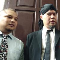 Ahmad Dhani sebelum sidang di Pengadilan Negeri Jakarta Selatan, Senin (28/1/2019). (Liputan6.com/Ady Anugrahadi)