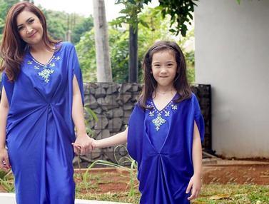 Momen Kebersamaan Nafa Urbach dan Anak