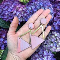 Ilustrasi perhiasan terbuat dari tanah liat | Instagram.com/kyoki_boutique