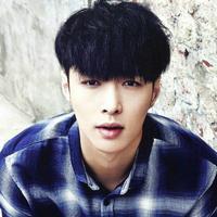 Baru-baru ini, Lay EXO mengaku jika ia tak ingin kelak anak-anaknya mengikuti jejaknya sebagai artis. Hal tersebut terungkap saat idol kelahiran 7 Oktober 1991 ini wawancara dengan Pear Vid. (Foto: Soompi.com)