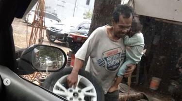 kisah tukang tambal ban viral