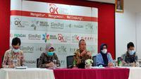 OJK Cirebon melaporkan kasus pengaduan masyarakat mengenai pinjaman online masih banyak terjadi. Foto (Liputan6.com / Panji Prayitno)