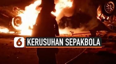Polresta Yogyakarta menangkap puluhan perusuh pertandingan sepakbola Liga 2 antara PSIM Yogyakarta dan Persis Solo. Polisi juga menyita puluhan bom molotov yang diduga akan digunakan dalam kerusuhan.