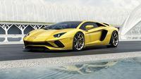 Lamborghini Aventador S hadir dengan peningkatan performa dan penyempurnaan fitur.