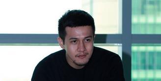 Satu Almamater, Herjunot Ali ungkap rasa bangga kepada Gubernur DKI Jakarta.