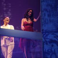 Atiqah Hasiholan saat mementaskan drama musikal Puisi-Puisi Cinta bertajuk Cinta Tak Pernah Sederhana di Teater Jakarta, Taman Ismail Marzuki (TIM), Cikini, Jakarta Pusat (Fimela)