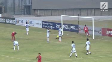 Laga lanjutan Piala AFF U19 FI Group B yang mempertemukan Timor Leste U 19 melawan Myanmar U19, berakhir imbang dengan skor 2 -2, digelora Joko Samudra selasa sore.