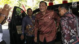 Menko Bidang Kemaritiman Luhut Binsar Panjaitan tiba menghadiri Kongres V PDIP di  Grand Inna Beach, Sanur, Bali, Kamis (8/8/2019). Kongres V PDIP berlangsung selama tiga hari sejak tanggal 8 - 10 Agustus mendatang. (Liputan6.com/Johan Tallo)