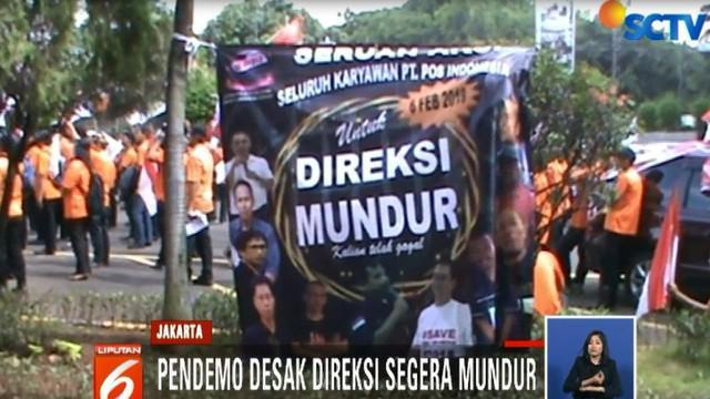 Mereka mendesak jajaran direksi PT Pos Indonesia segera mundur lantaran tak mampu mengelola perusahaan hingga pembayaran gaji tertunda.