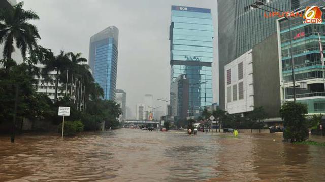 Masih Banjir Bundaran Hi Ditutup News Liputan6 Com