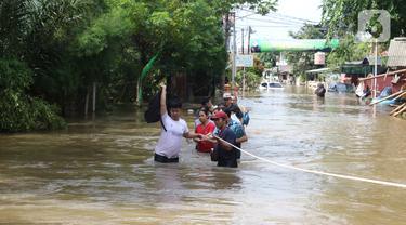 Perumah Ciledug Indah Masih Terendam Banjir 1 Meter Lebih
