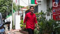 Bakal calon wali kota Surakarta, Gibran Rakabuming Raka tiba di DPP PDIP, Jakarta, Senin (10/2/2020). Kedatangannya tersebut untuk Proses fit and proper test calon pilkada 2020. (Liputan6.com/Faizal Fanani)