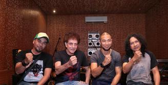 Sebagai warga Indonesia, musisi berikut ini membuat lagu yang bertemakan nasionalisme Indonesia. Di antaranya ada Ahmad Albar, is Rodinda, Marcell Siahaan, dan Utox Londalo. (Adrian Putra/Bintang.com)