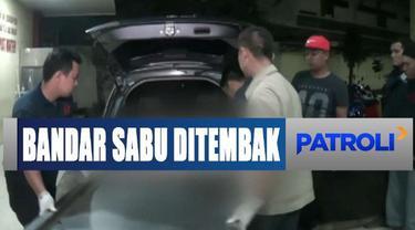 Petugas direktorat narkoba Polda Metro Jaya mendapatkan 5 gram sabu dari tangan pelaku.
