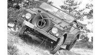Jauh sebelum dikenal sebagai produsen mobil sport premium, Porsche ternyata pernah memproduksi mobil bergaya militer. (Autoindustriya)