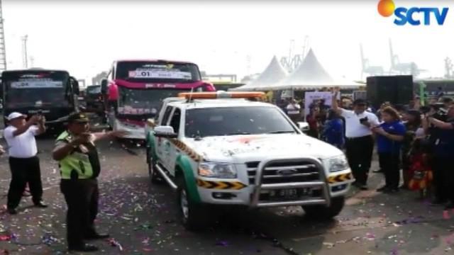 Para pemudik diberangkatkan dengan 418 bus dengan tujuan 18 kota di Pulau Jawa dan Sumatera.